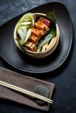 Японский сасими тунца, темная предпосылка, взгляд сверху стоковое фото rf