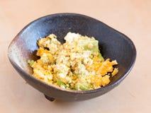 Японский салат кухни, авокадоа и взбитого яйца Стоковые Изображения RF