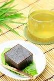 Японский сладостный и зеленый чай Стоковые Фотографии RF