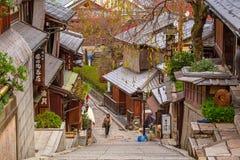 Японский старый городок в районе Higashiyama Киото Стоковая Фотография
