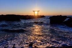 Японский строб святыни в восходе солнца Стоковые Изображения RF
