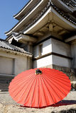 Японский традиционный красный зонтик Стоковое Изображение