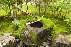 Японский фонтан бамбука воды Стоковое Фото