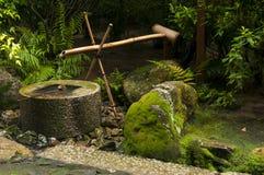 Японский фонтан бамбука воды Стоковые Фотографии RF