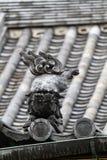 Японский щипец крыши льва стоковое фото rf