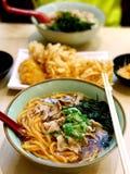 Японский Udon перца, обнажанный живот свинины, морская водоросль основания супа Udon Стоковое фото RF