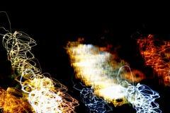Яркая абстрактная картина в линиях и пятнах цвета различных на черноте Стоковая Фотография