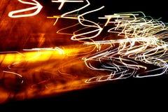 Яркая абстрактная картина в линиях и пятнах цвета различных на черноте Стоковая Фотография RF