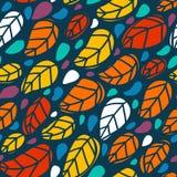 Яркая безшовная картина с красочными листьями Стоковые Фотографии RF