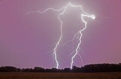 Яркая вспышка молнии Стоковые Фотографии RF