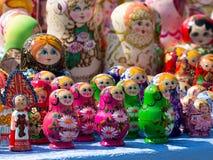 Яркая жизнерадостная кукла Matryoshka Стоковое фото RF