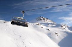 яркая зима лыжи подъема дня Стоковое Изображение RF