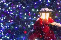 Яркая и сияющая предпосылка рождества тайны стоковые фото