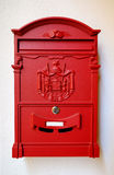 Яркая красная коробка столба Стоковая Фотография