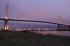 Яркая подвеса шоссе освещенная на предыдущей ноче Стоковое Изображение