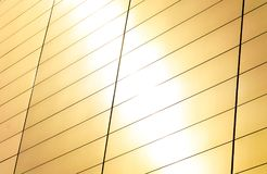 Яркая предпосылка пирофакела солнечного света, абстрактной детали холеной современной современной архитектуры с космосом экземпля стоковые фото