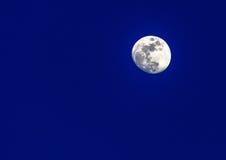 яркая луна Стоковое Изображение