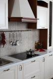 Яркая brandnew европейская кухня Стоковые Фотографии RF