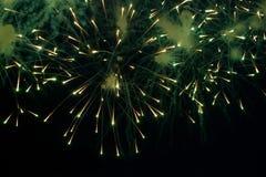 Яркие изумительные фейерверки Стоковые Изображения