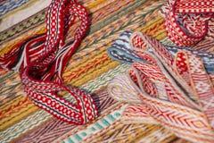 Яркие пестротканые ленты Этнический славянский пояс для одежд Стоковые Фото