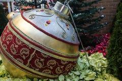 Яркий блеск орнамента рождества стоковое изображение