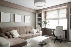 Яркий интерьер живущей комнаты Стоковое Фото