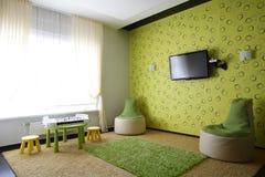 Яркий интерьер живущей комнаты стоковые фотографии rf