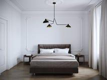 Яркий и уютный современный дизайн интерьера спальни с белыми стенами, стоковая фотография rf
