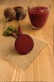 Яркий красный/фиолетовый Smoothie сделанный с свеклой/бураками Стоковые Фото