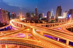 Яркий мост светов на ноче Стоковое Изображение RF