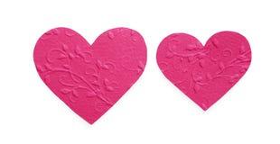 Яркий пинк сделал по образцу бумажные сердца изолированные на белой предпосылке, валентинке Стоковое Фото