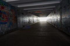 Яркий свет в конце подземного прохода Стоковое Фото