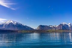 Яркий солнечный день в Интерлакене Швейцарии стоковые изображения rf