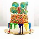 Яркий торт для ребенка дня рождения Стоковая Фотография