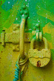 Яркий ый-зелен замок стоковые изображения rf