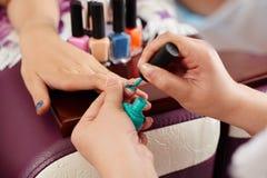 яркий manicure Стоковые Изображения