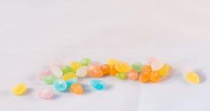 яркими помадка сахара ручки конфеты напитанная цветами Стоковые Фотографии RF