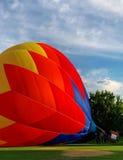 Яркое balIoon на своей стороне Стоковая Фотография RF
