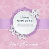 Ярлык бумажного круга выреза с орнаментальной рамкой и снежинки 3d на мягкой розовой предпосылке зимы с силуэтами снежинки Стоковое Изображение