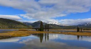 Ясное озеро Стоковая Фотография