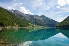 Ясное озеро Стоковое Изображение RF
