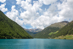 Ясное озеро Стоковые Изображения RF