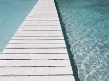 ясность моста над водой стоковое изображение