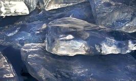 Ясный голубой лед на поверхности Lake Baikal Стоковые Изображения
