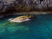ясный камень моря Стоковые Фотографии RF