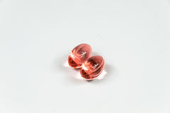 2 ясных красных мягких капсулы желатина Стоковое Изображение
