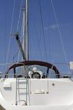 яхта белизны стыковки стоковые изображения rf