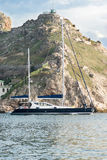 Яхта выходит залив Стоковое Изображение