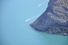 Яхта в голубом океане Стоковое Изображение RF