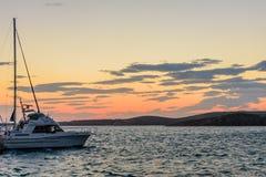 Яхта в море стоковое изображение